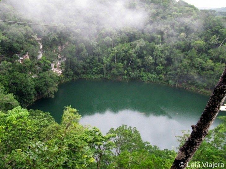 Cenote de Agua Azul en Miguel Colorado, Mexico