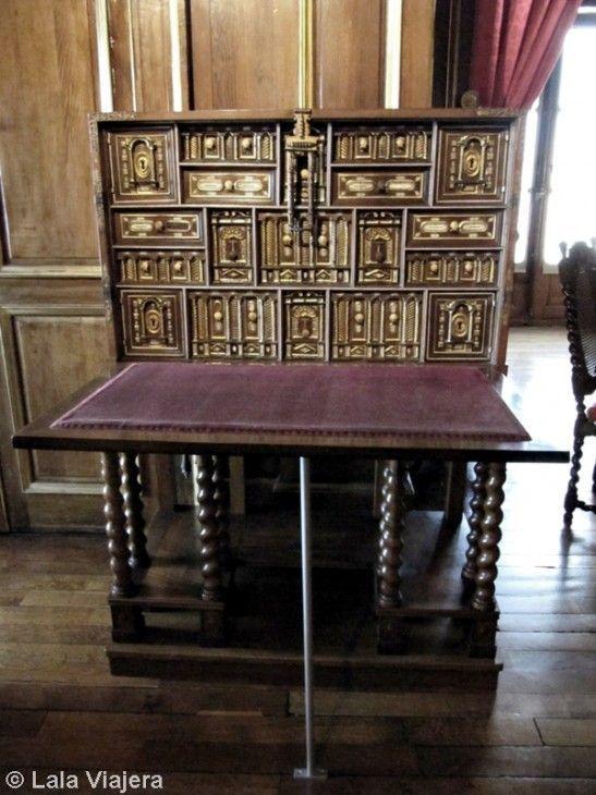 Mobiliario del Castillo de Pau, Francia