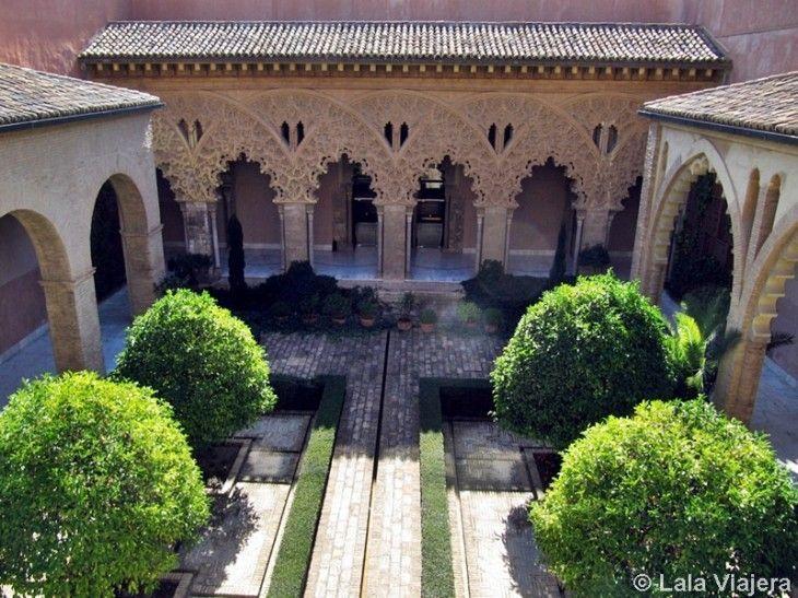 Patio de Santa Isabel, Palacio de la Aljaferia