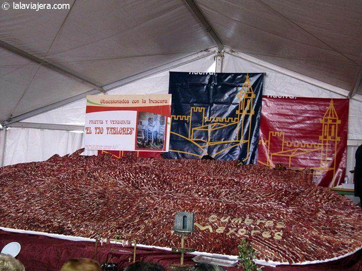 """""""Saborea Cumbres Mayores"""", la ración de jamón ibérico más grande del mundo"""