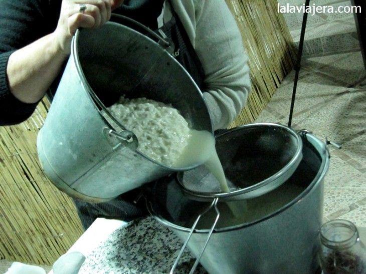 Cómo hacer queso de cabra casero. Paso 4: separamos el suero