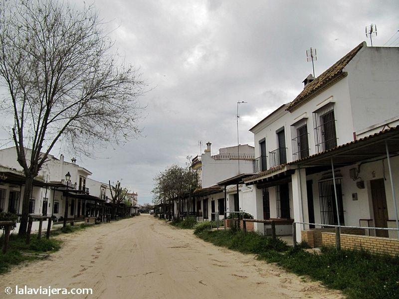 Calles de albero en la aldea del Rocío
