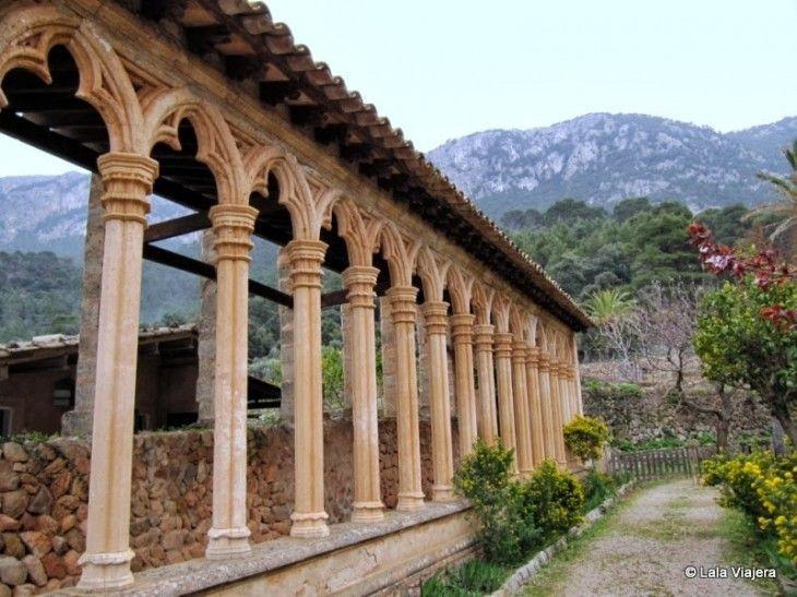 Claustro del Monasterio de Miramar