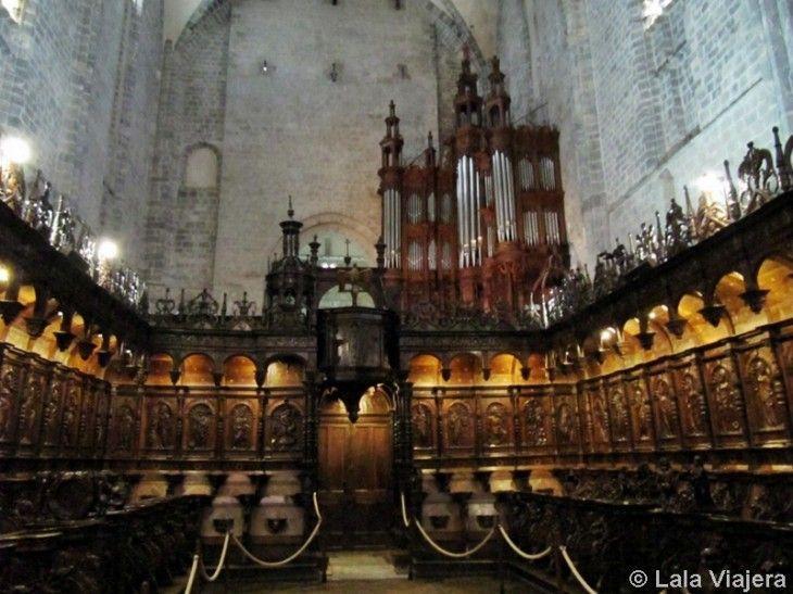 Órgano y coro de los canónigos en la Catedral de Saint Bertrand de Comminges