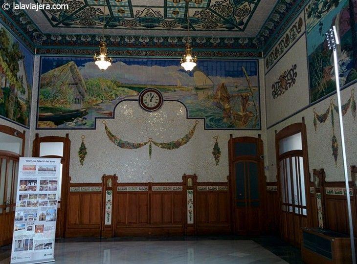 Azulejos de la Estación del Norte de Valencia