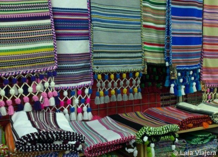 Coloridas mantas morellanas, una artesanía típica de Morella