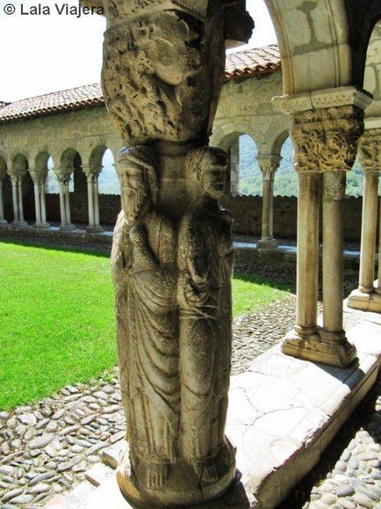 Pilar de los Evangelistas en el Claustro de la Catedral de Saint Bertrand de Comminges
