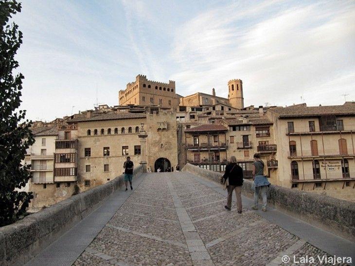 Puente medieval y Portal de San Roque, entrada principal a Valderrobres