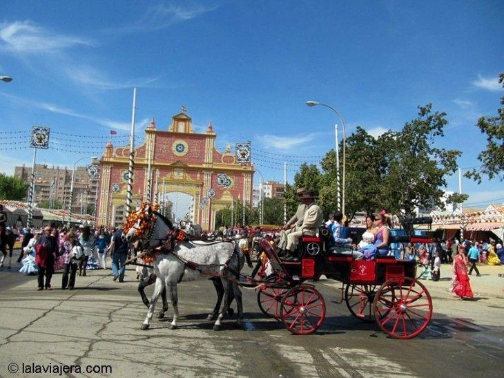 Portada del Real de la Feria de Abril de Sevilla