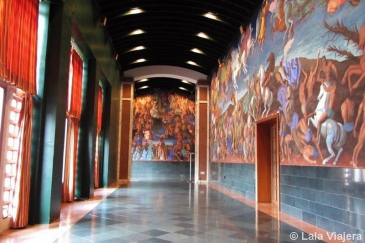 Sala de pinturas del Teatro de la Laboral