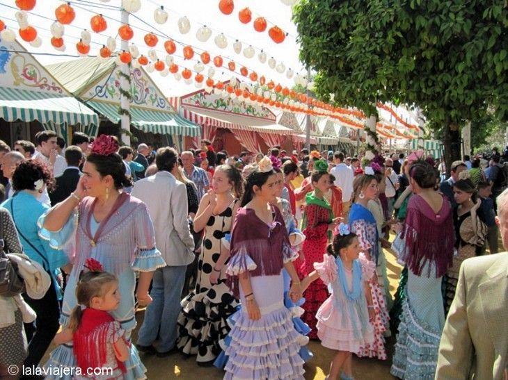 Trajes de gitana, Feria de Abril de Sevilla