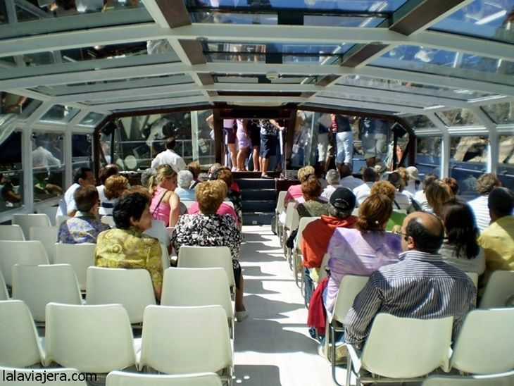 Barco acristalado del Crucero Ambiental por Las Arribes del Duero