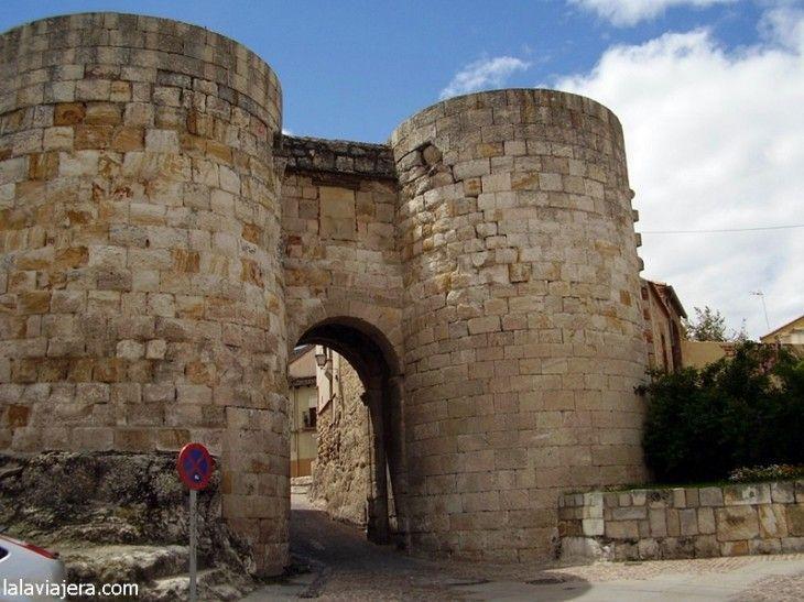 Puerta de Doña Urraca, Murallas de Zamora