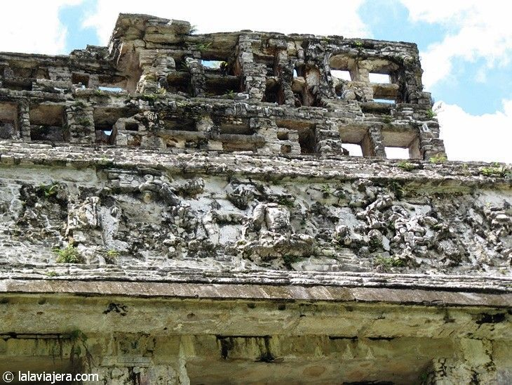 Cresterías en la ciudad maya de Palenque