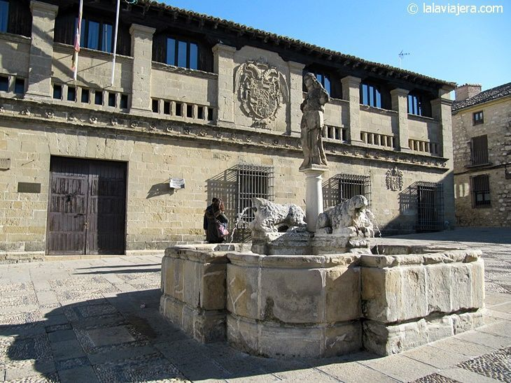 Plaza del Pópulo en Baeza, Jaén