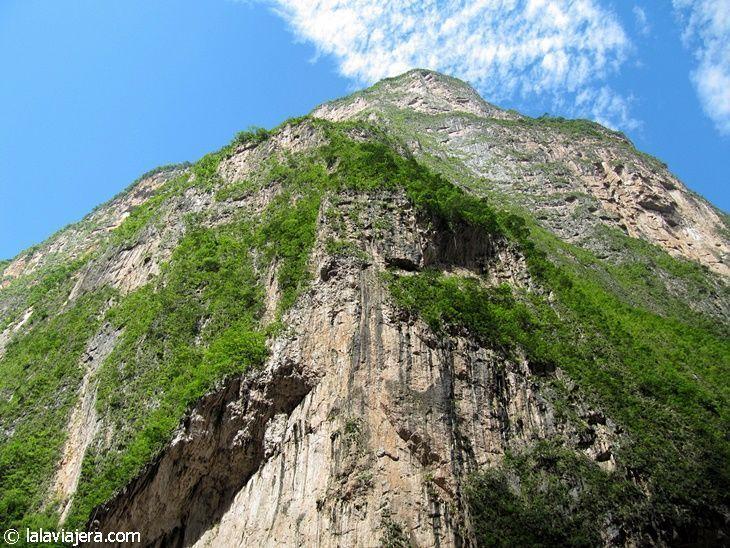 Paredes casi verticales en el Cañón del Sumidero