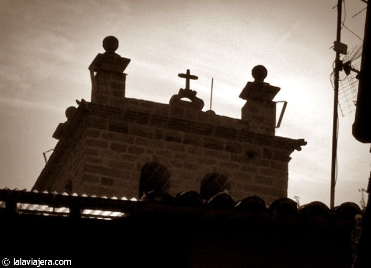 Iglesia de San Lorenzo, Garganta la Olla