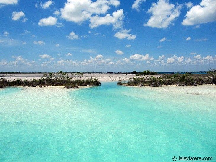 Laguna de los Siete Colores, Bacalar, México