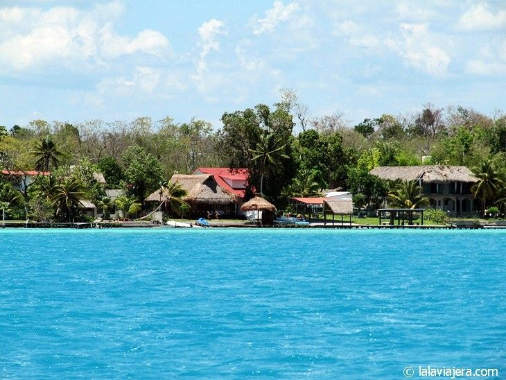 Bungalows ecológicos en Laguna Bacalar, México