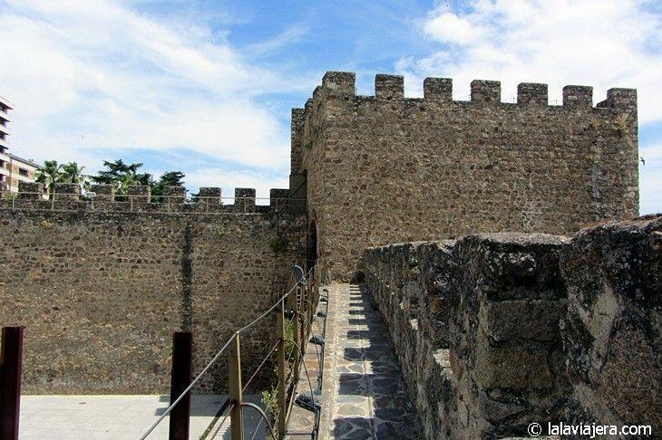 Paseo por el adarve de la muralla de Plasencia desde Torre Lucía