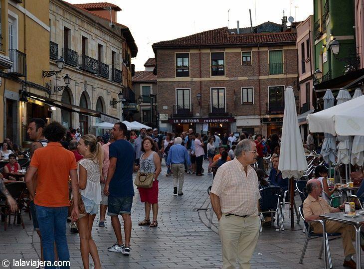Plaza de San Martín, corazón del Barrio Húmedo