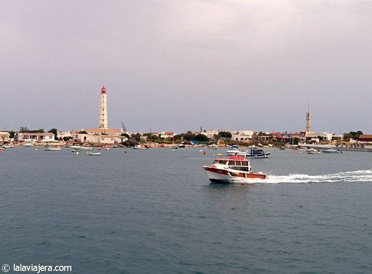 El pequeño núcleo urbano de Farol, en Isla Culatra