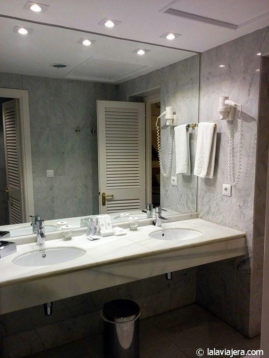 Baño de la Junior Suite (hotel Iberostar Marbella Coral Beach)