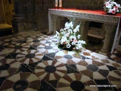 Pavimento Altar Monasterio Santa Maria Alaon, Sopeira, Ribagorza