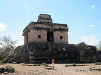 templo 7 munecas Dzibilchaltun, yucatan