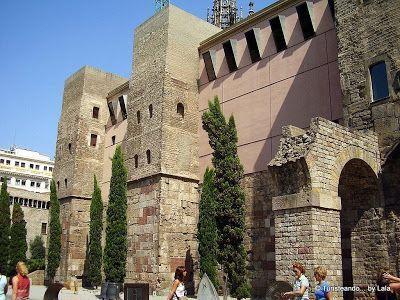 Murallas Plaza Catedral Barcelona