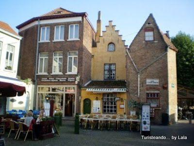 huidenvettersplein, casco historico Brujas