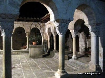 Claustro Monasterio Lluca, Barcelona