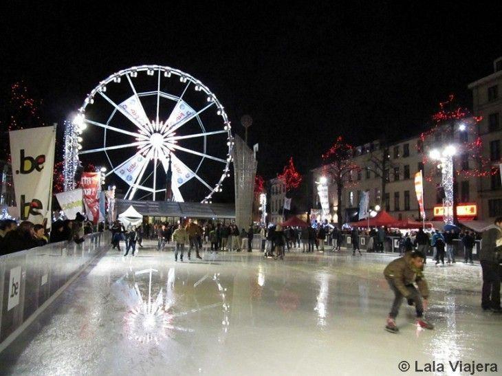 Patinando sobre hielo en Bruselas por Navidad