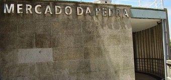 """Mercado A Pedra, ropa de marca de imitación """"legal"""""""