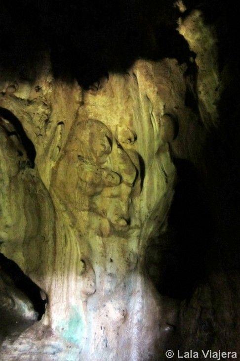 Cueva El Palacio Oscuro en la Peña Arias Montano de Alajar