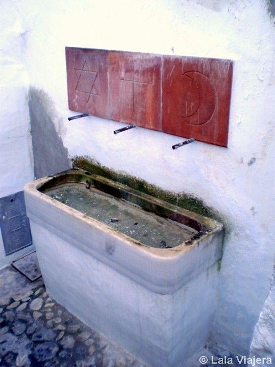 Fuente de las Tres Culturas, Frigiliana