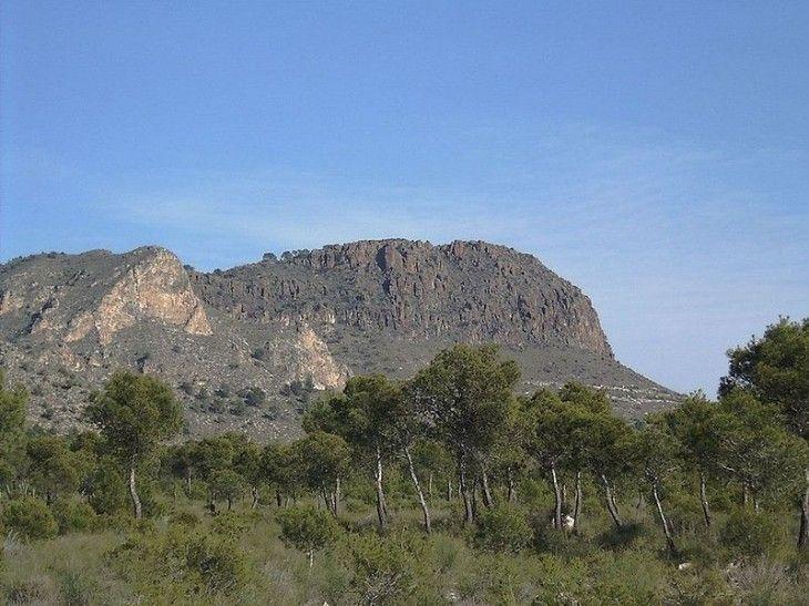 Monumento natural del Pitón Volcánico de Cancarix