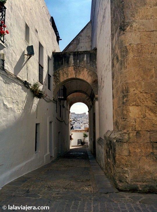 Arco de las Monjas, la calle más emblemática de Vejer