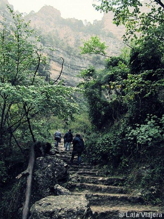 Ascenso a la Cueva de Los Chorros, Río Mundo