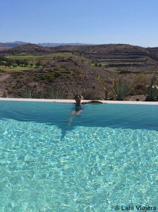 Disfrutando de las piscinas infinity de Gran Canaria Wellness