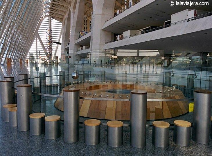 El péndulo de Foucault, en el Museo de Ciencias Príncipe Felipe de la Ciudad de las Artes
