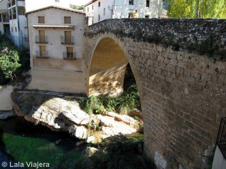 El puente de piedra de Beceite, sobre el río Matarranya