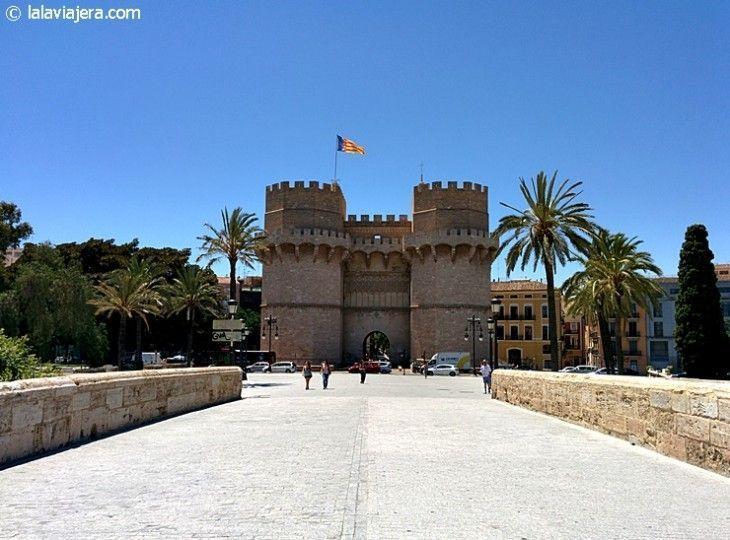 Torres y Puente de Serranos, Valencia