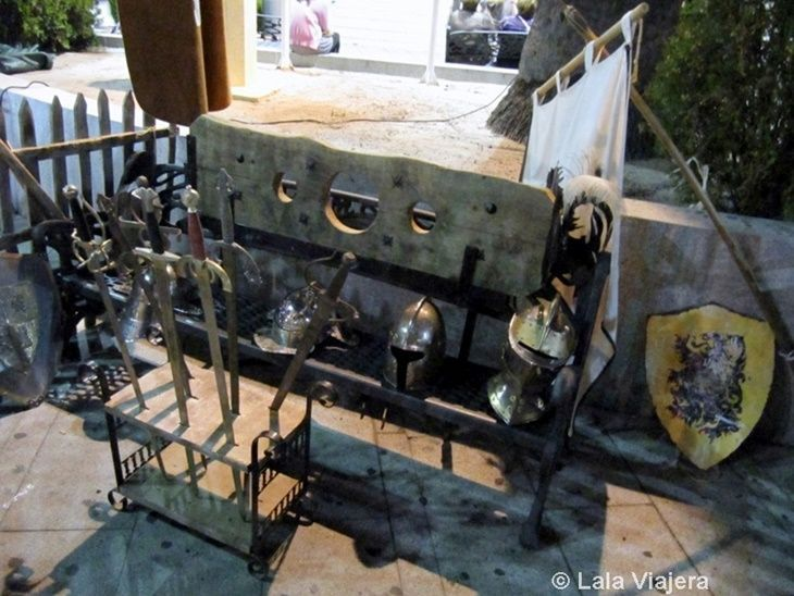 Exhibición de armas medievales, Mercado Colombino del Descubrimiento, Huelva