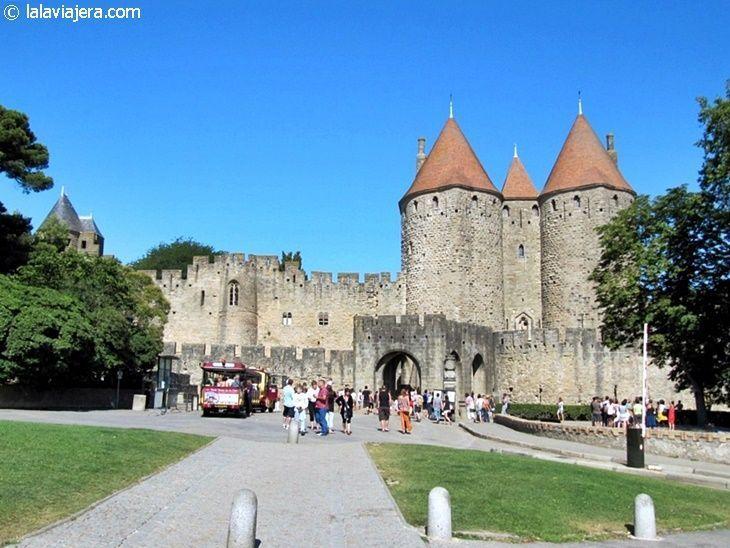 Puerta Narbona, acceso a la ciudad fortificada más grande de Europa