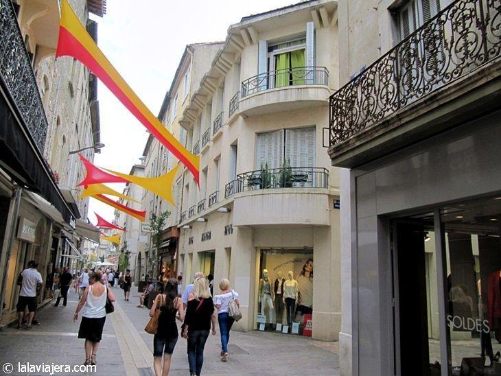 La comercial calle Georges Clemenceau