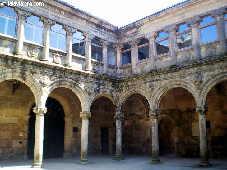 Claustro del Monasterio de Montederramo