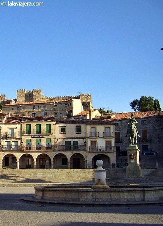 Estatua ecuestre de Pizarro, en la Plaza Mayor de Trujillo