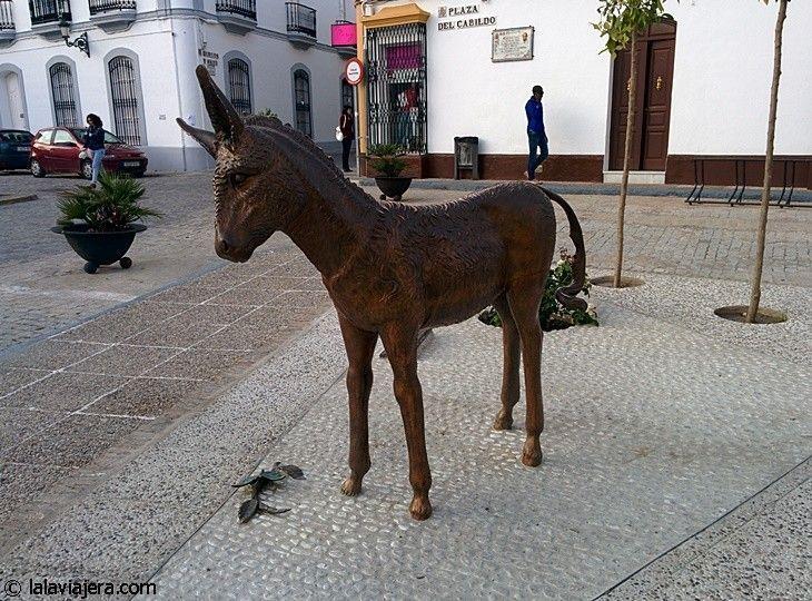 Escultura Platero, en Moguer