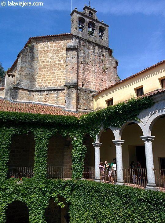 El palacio imperial de Carlos V, adosado a la iglesia del Santuario de Yuste